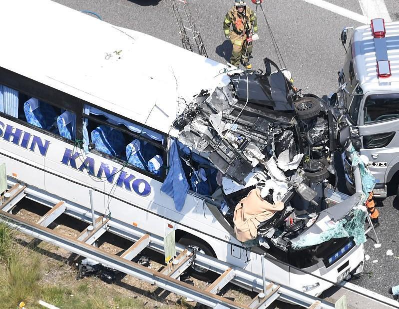 Busulykken på Tomei-motorvejen