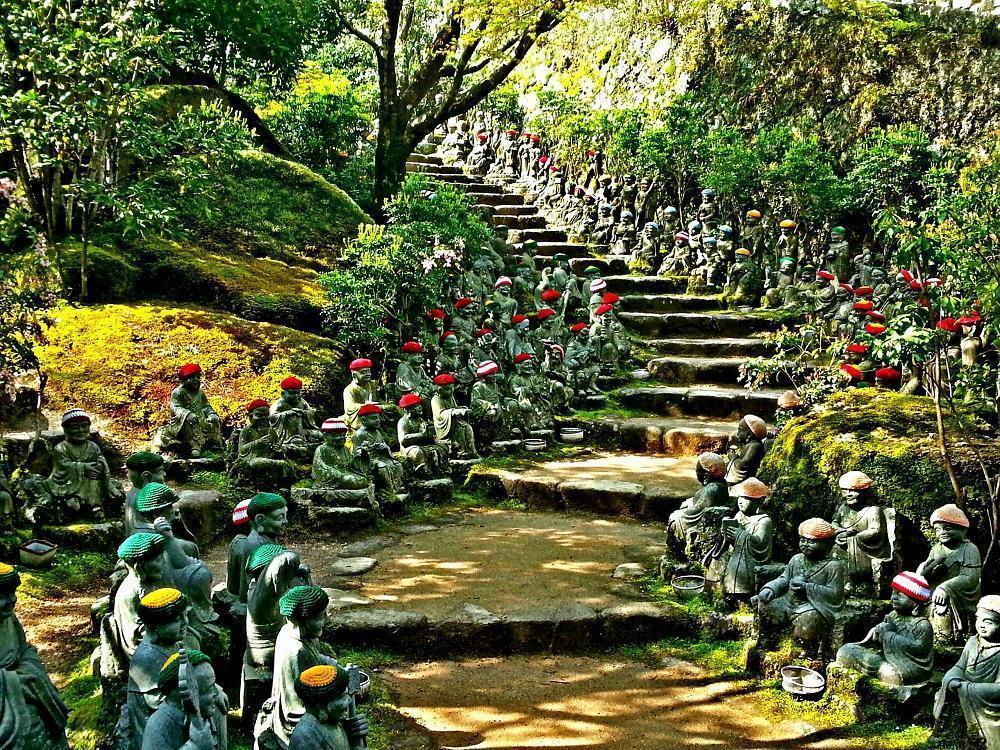 Rakan-statuer ved Daishoin på Miyajima (2017)