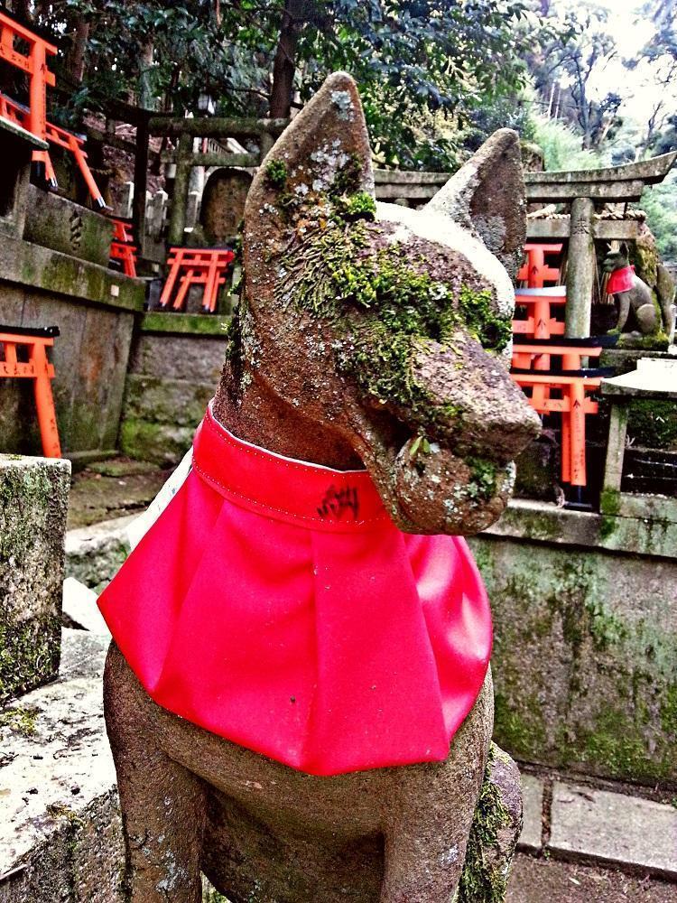 Rævestatue ved Fushimi Inari Taisha (2015)